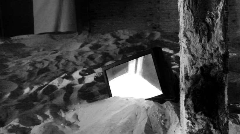 etwas-nichts-anderes_MVI_0084-00000_videoinstallation_1.jpg