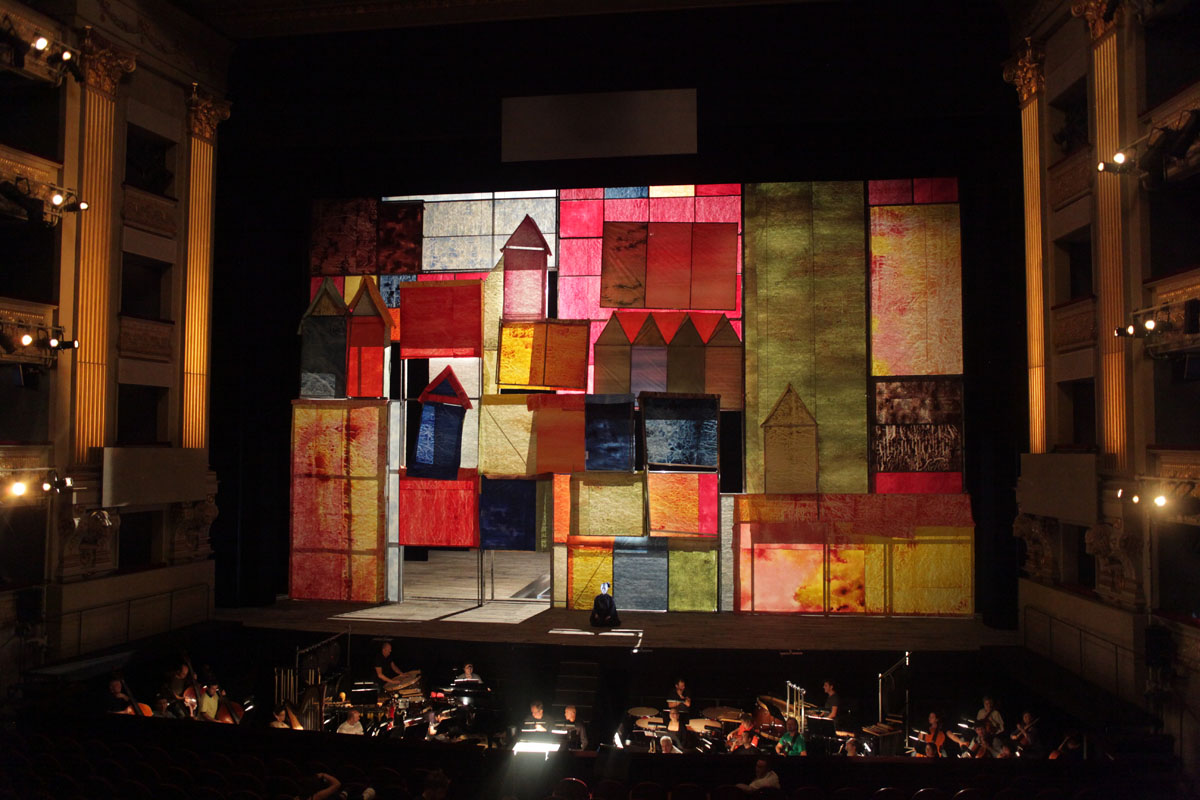 teatro-real_videomapping_stage_IMG_3003_S.jpg